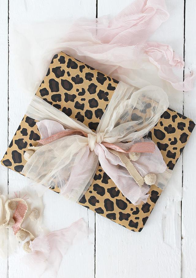 BLOG_Basic_gift_wrapping_4