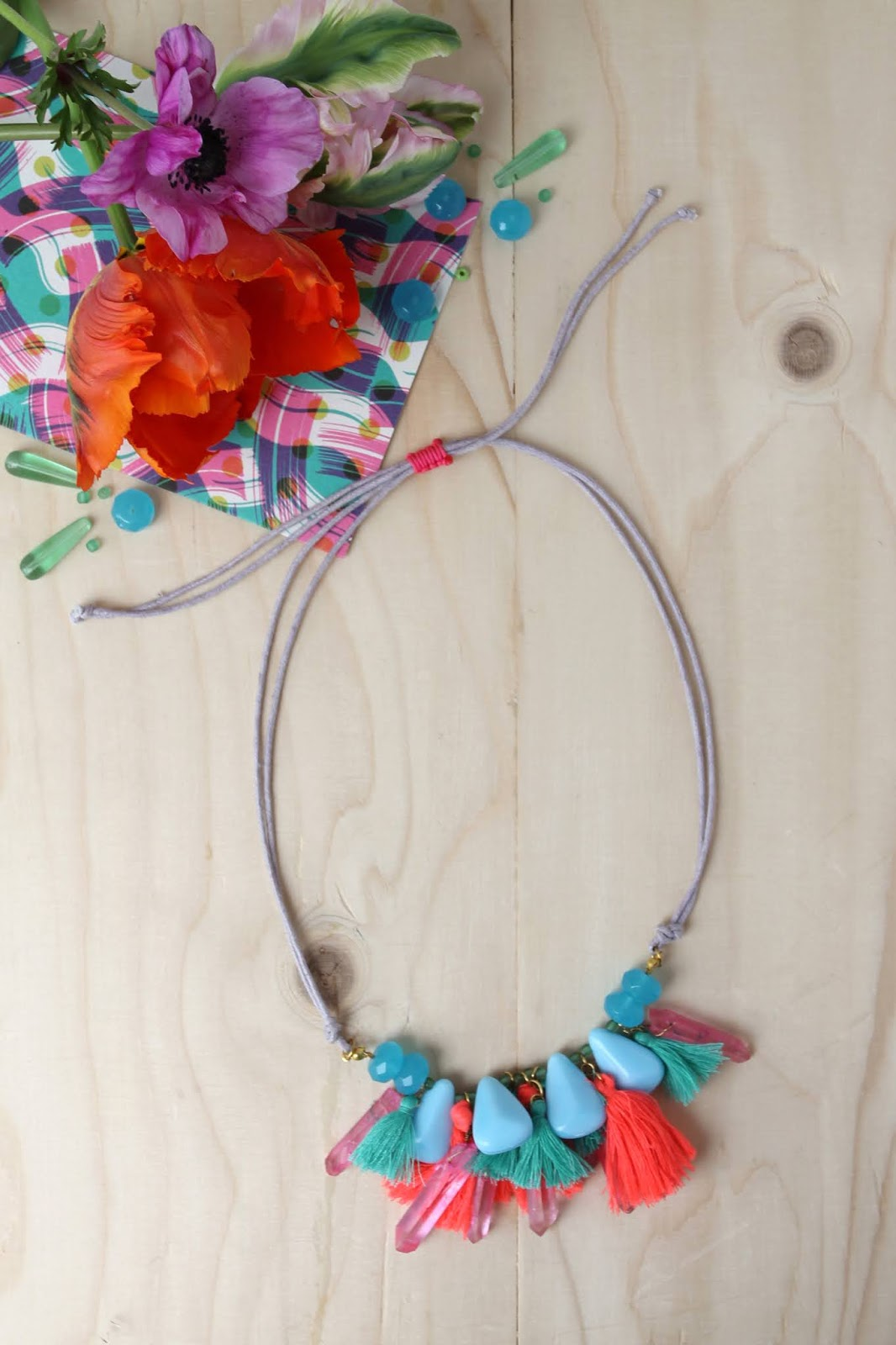 Colourful_necklace_1