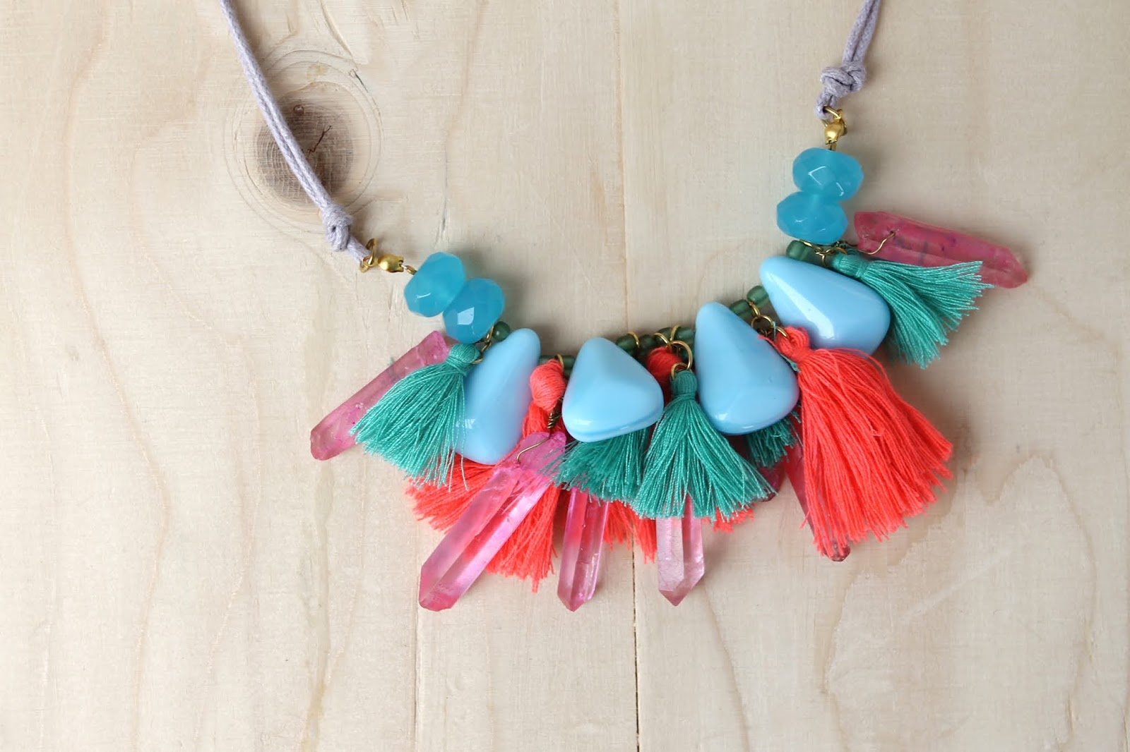 Colourful_necklace_3
