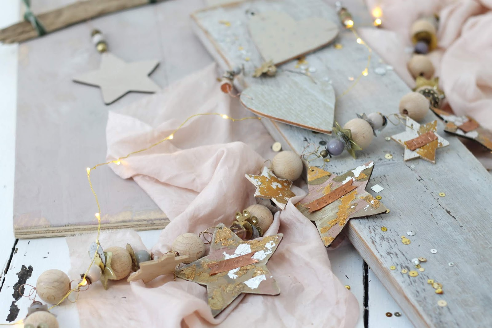 Wooden_decorations_3