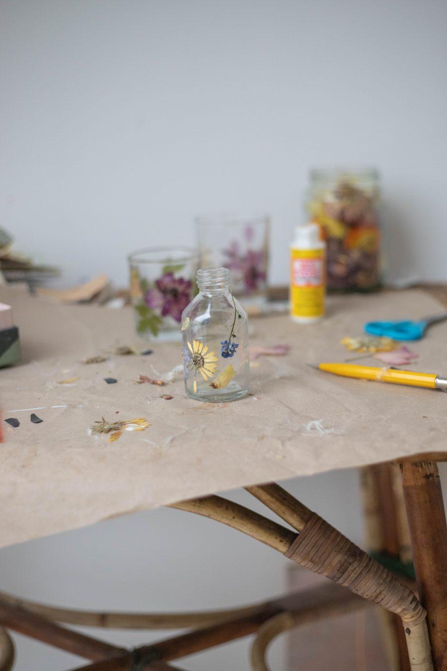 Pressed flower tealight holder materials