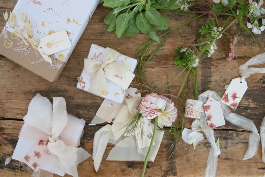 Floral_Washi_Tape_Gift_Wrapping