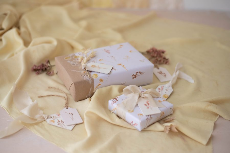 Brown_Paper_Floral_Gift_wrapping