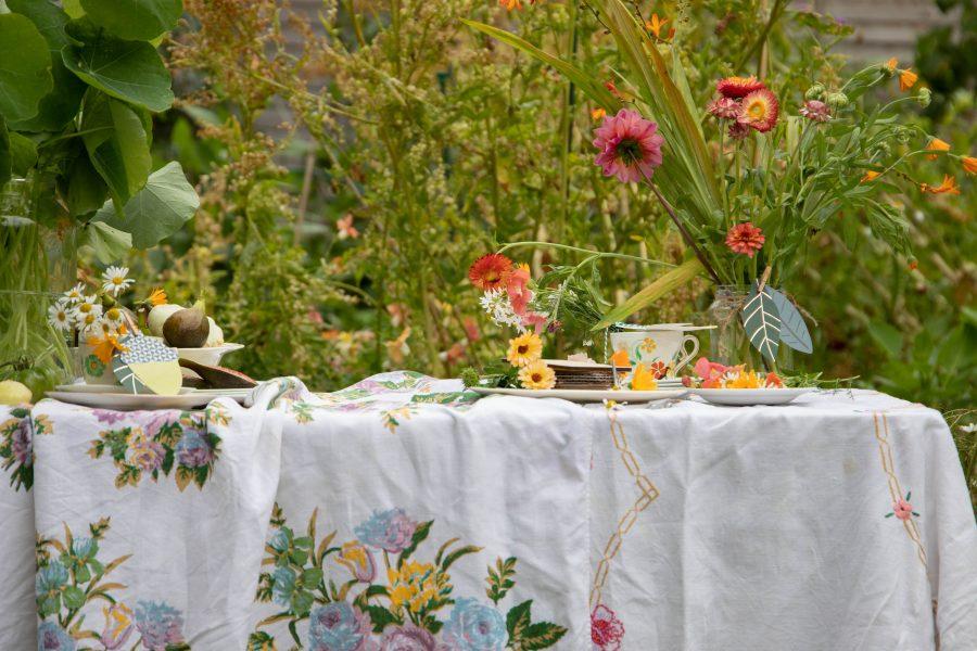 autumn tablescape with dahlias